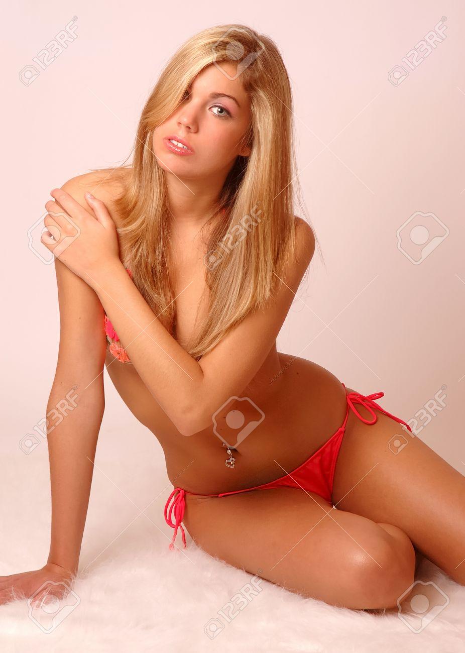 Фото бикини блонди 12 фотография