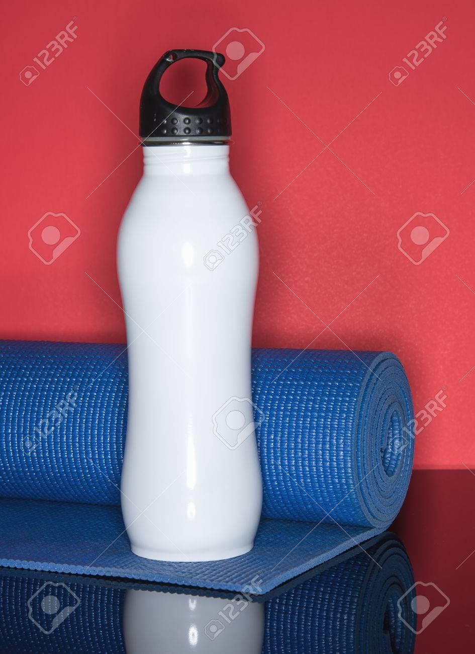 Botella De Agua Para Hidratar Después De La Inducción De ...