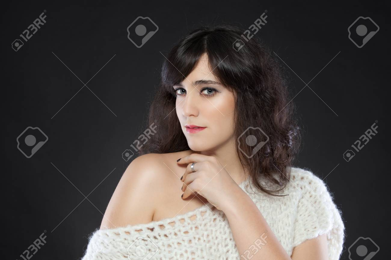 Beautiful young caucasian woman with beautiful skin. Studio shot Stock Photo - 17369578