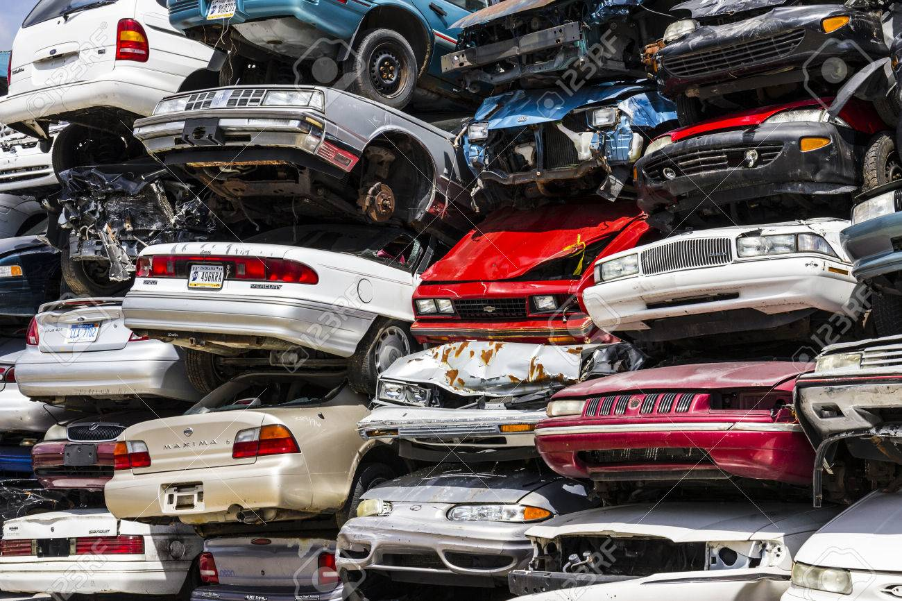 Indianapolis - Circa August 2016 - A Pile Of Stacked Junk Cars ...