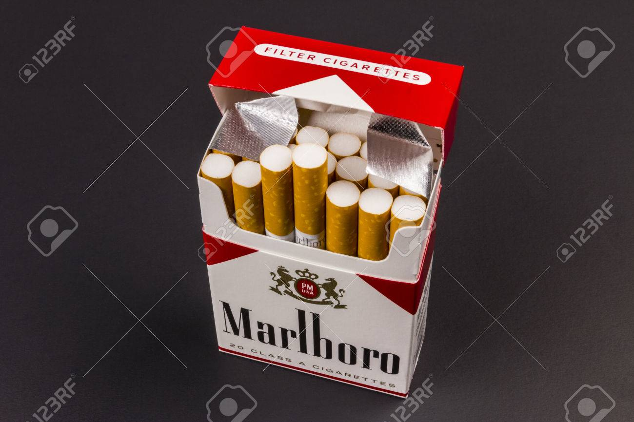 Indianapolis - Circa August 2016: Marlboro Cigarettes  Marlboro