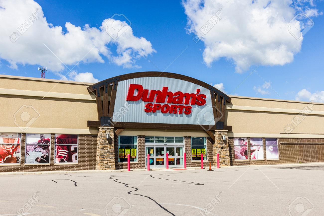 92fc103f7bf Muncie - Circa September 2016: Dunham's Sports Retail Strip Mall..