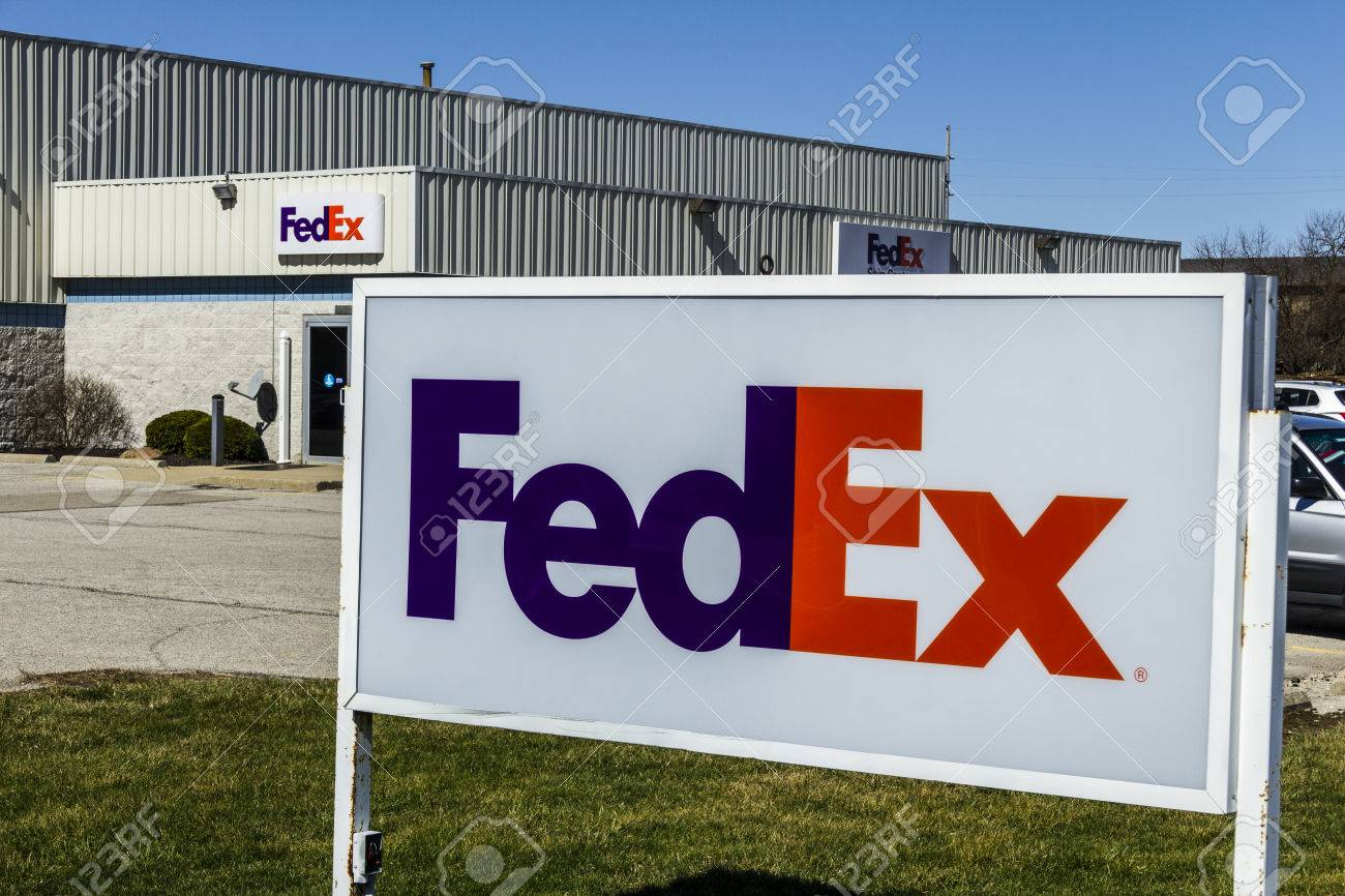 Fedex Pickup Fee >> Muncie Circa March 2017 Federal Express Customer Pickup Location