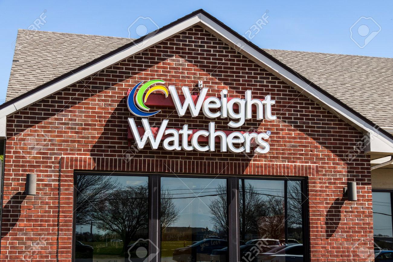 Lafayette - Circa April 2017: Weight Watchers Meeting Location. Oprah Winfrey is a Weight Watchers Spokesperson and Stockholder IV - 75518429