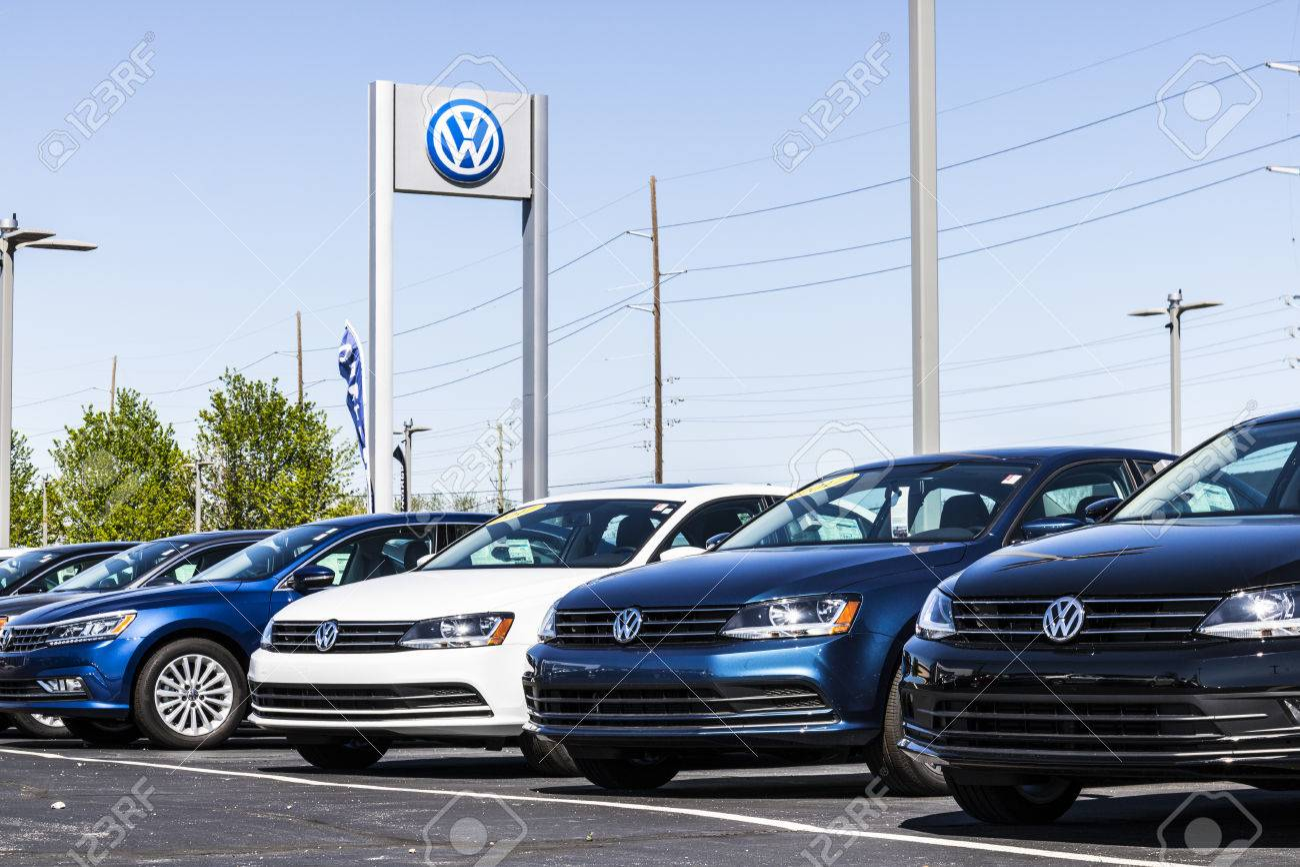 Vw Suv 2017 >> Indianapolis Circa April 2017 Volkswagen Cars And Suv Dealership