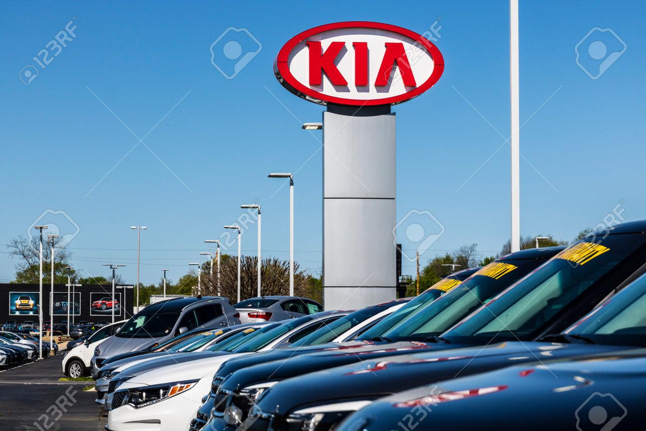 Hyundai Dealership Indianapolis >> Indianapolis Circa April 2017 Kia Motors Local Car Dealership