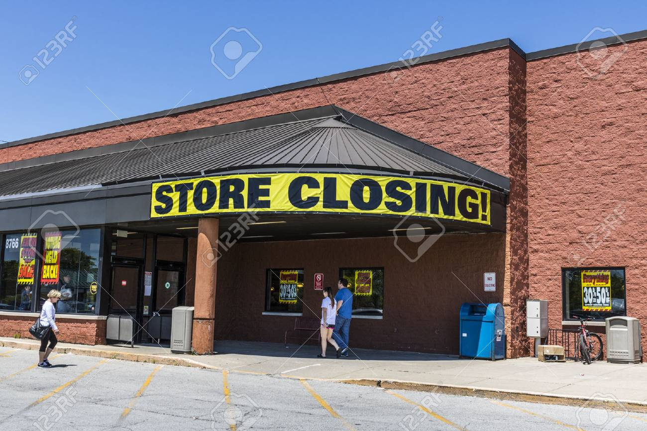 Indianapolis - Circa May 2017: Store Closing Sign on a a grocery market going out of busiiness III - 78039732