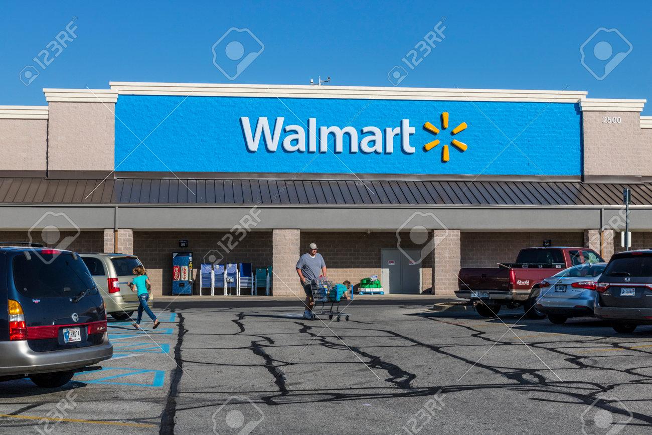 Shelbyville - Circa May 2017: Walmart Retail Location. Walmart is an American Multinational Retail Corporation - 78121852
