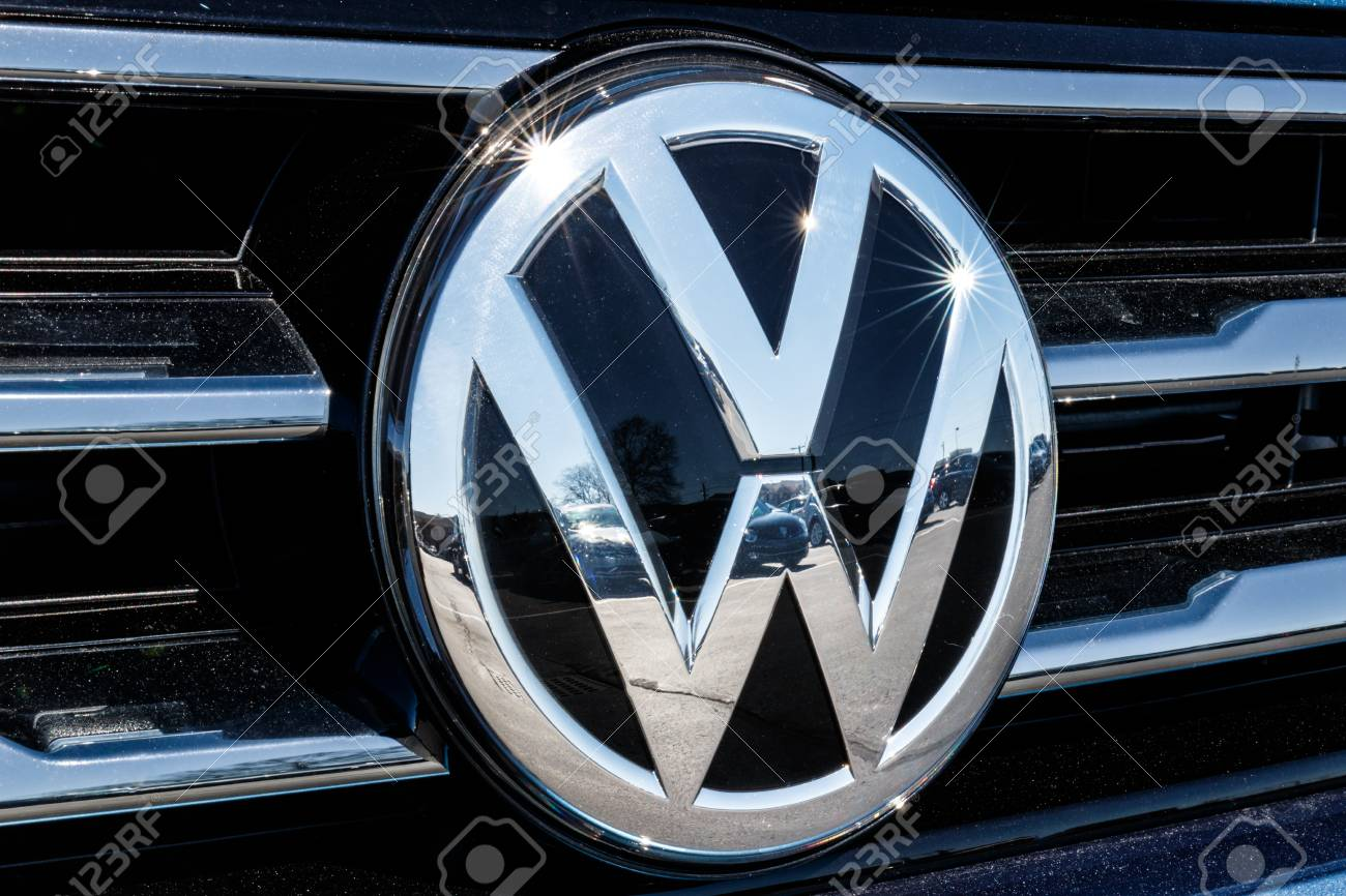 Indianapolis - Circa March 2018: Volkswagen Cars and SUV Dealership