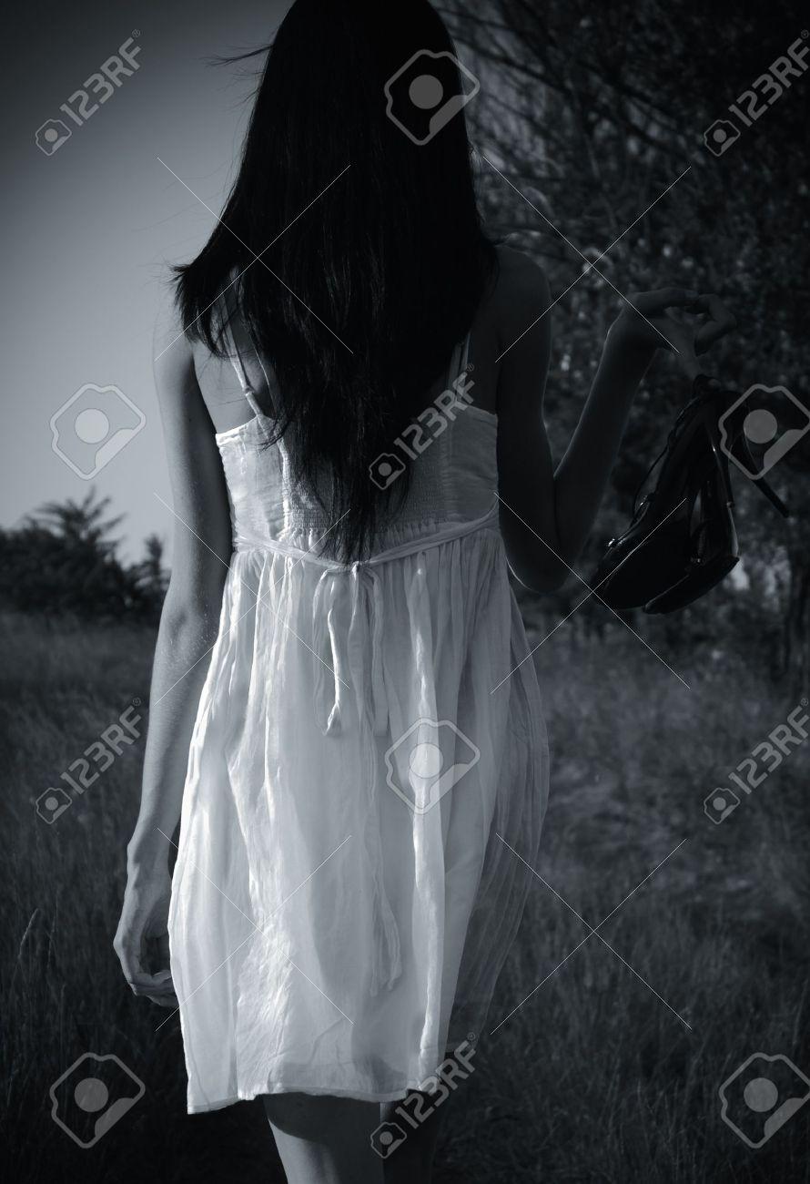Фото девушек в нижним белье сзади брюнетки 13 фотография
