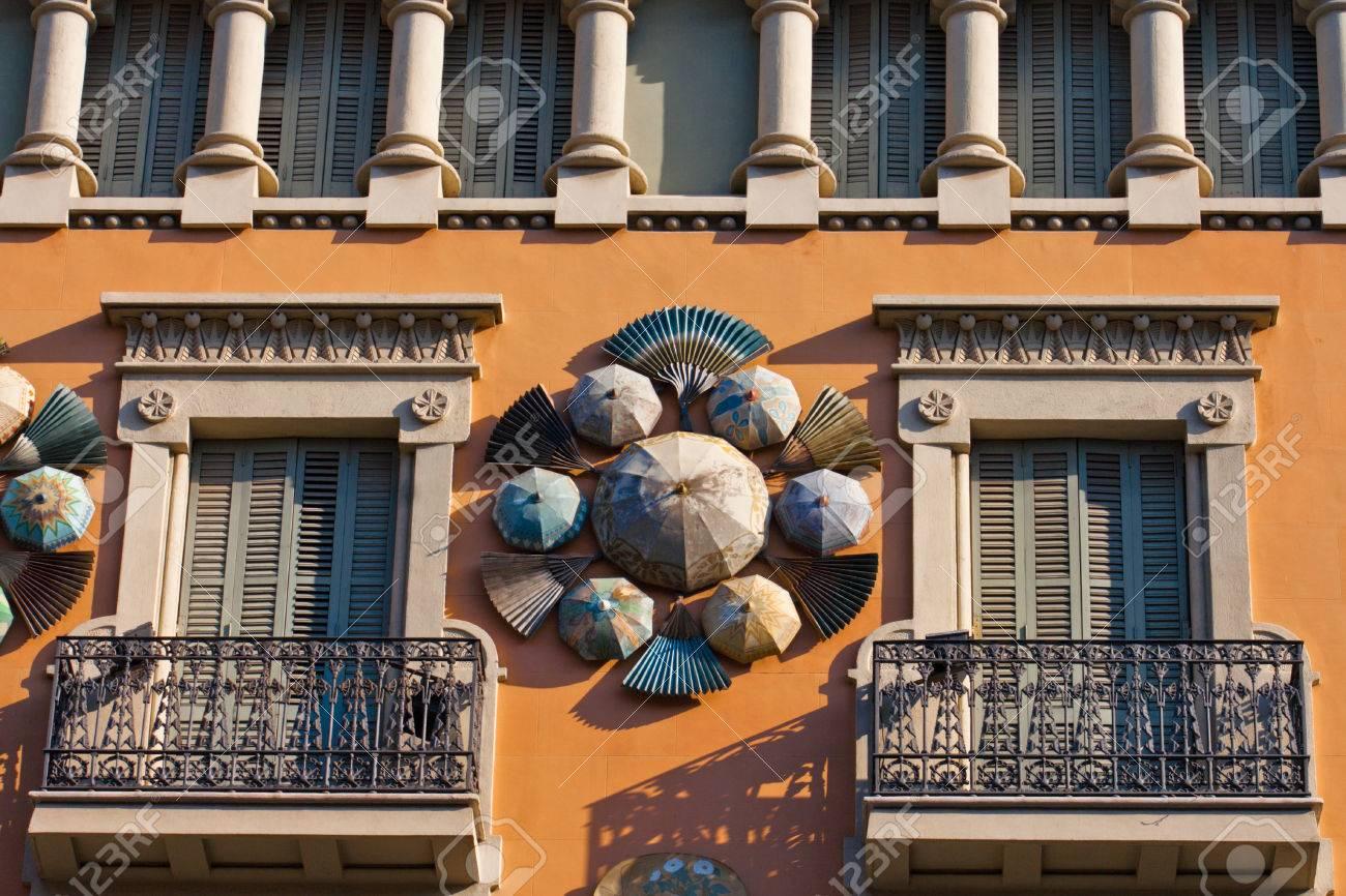 paraguas chinos la del modernismo casa bruno cuadros en las ramblas de barcelona