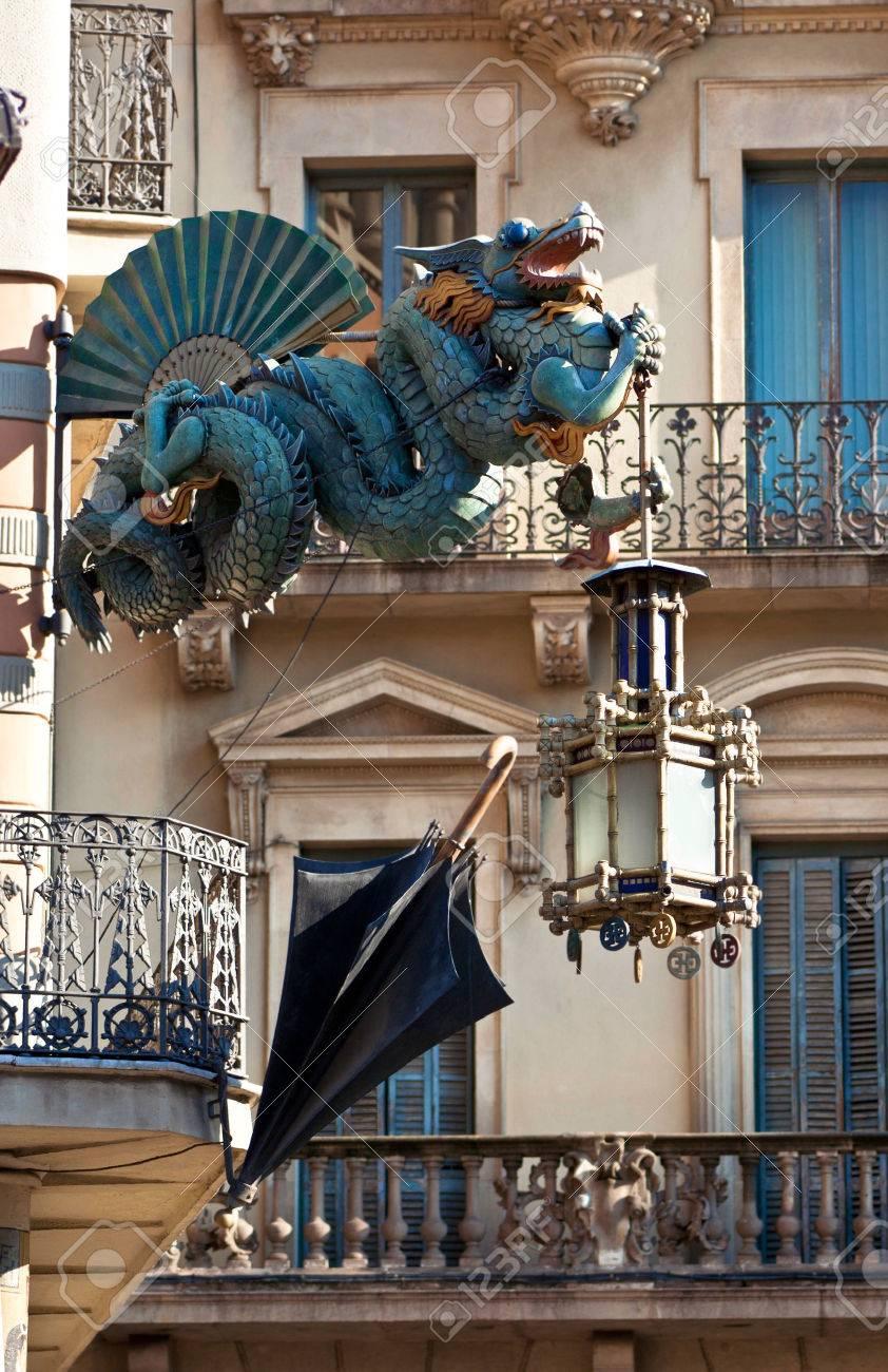 dragn y paraguas de china la del modernismo casa bruno cuadros en las