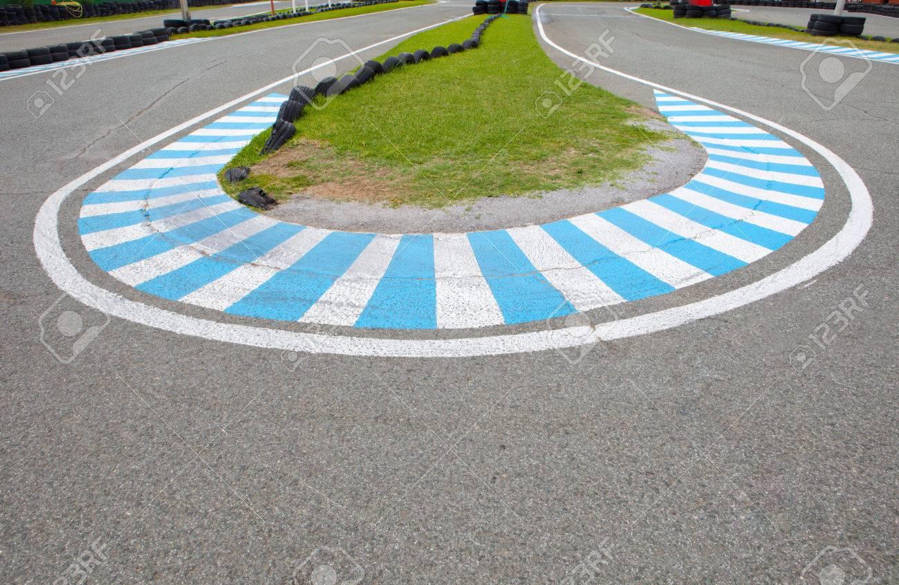 Circuito Karting : A su vez el circuito de karting en un circuito coche de carreras al