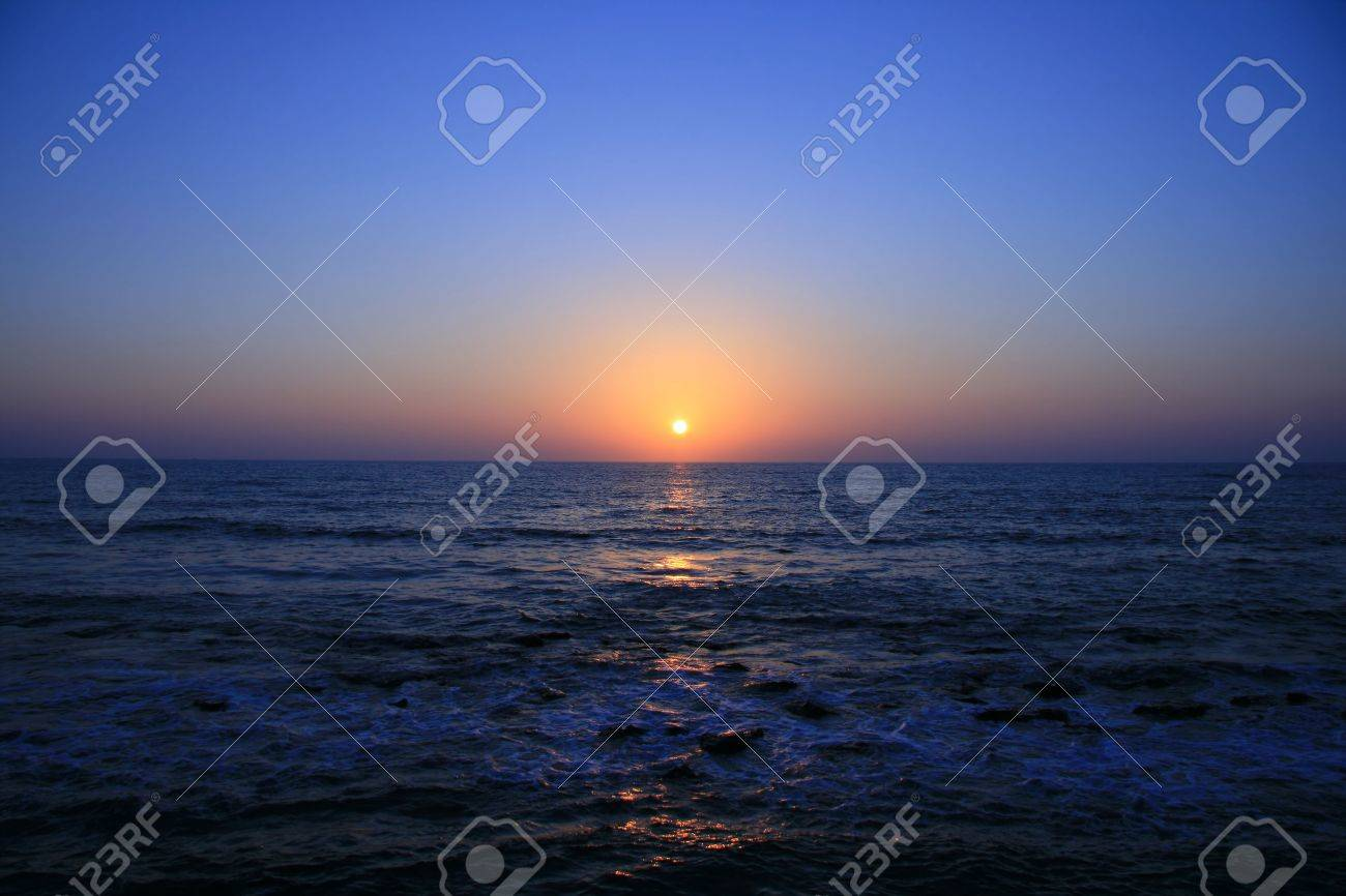 Red and orange sunset over the Sea Stock Photo - 3641510