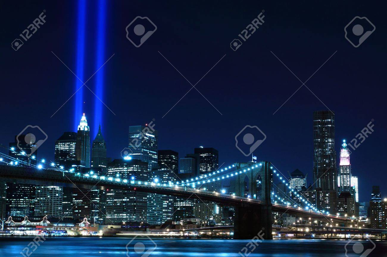 Brooklyn Brigde and the Towers of Lights at Night Stock Photo - 9256709