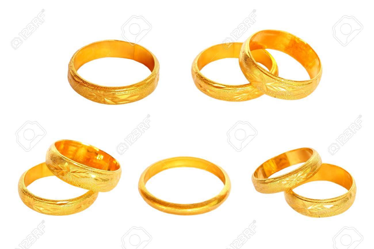 Paar Goldene Hochzeit Ringe Auf Weissem Hintergrund Lizenzfreie Fotos