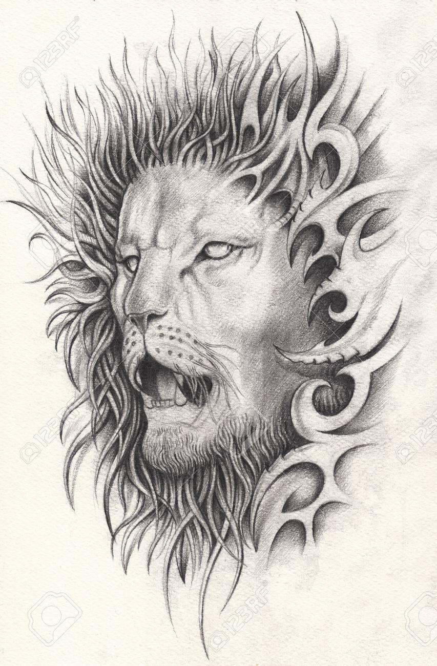 Art Du Tatouage Sur Le Lion Dessin Au Crayon A La Main Sur Papier