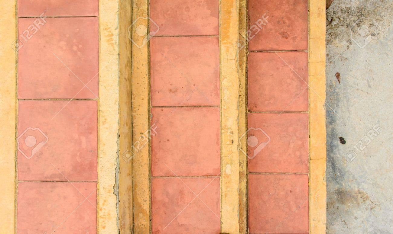 Abstrait vieil escalier de briques déco carrelage en béton pour la maison  décoration générale