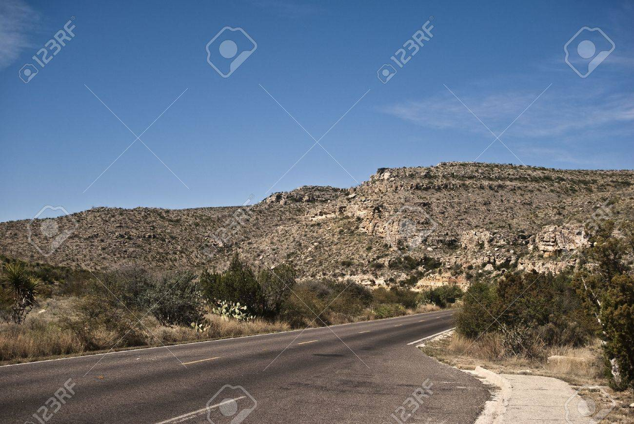 Desert Highway through Carlsbad Caverns National Park Stock Photo - 5755882