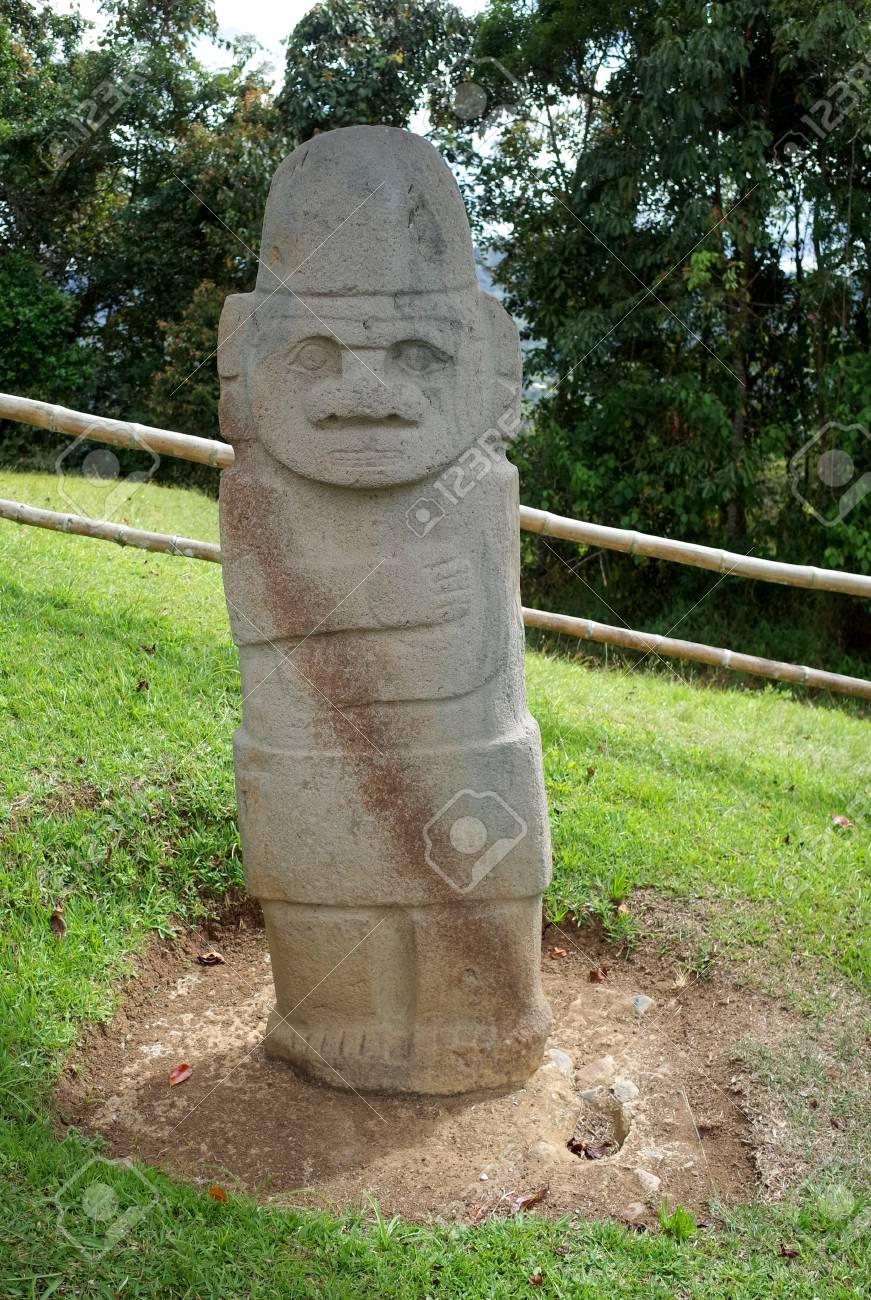 古代の埋葬像はサンアグスティン...