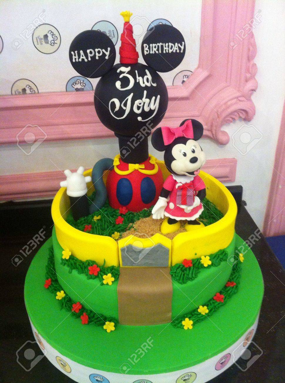 Disney Minnie Mouse Cake Design Stock Photo Picture And Royalty