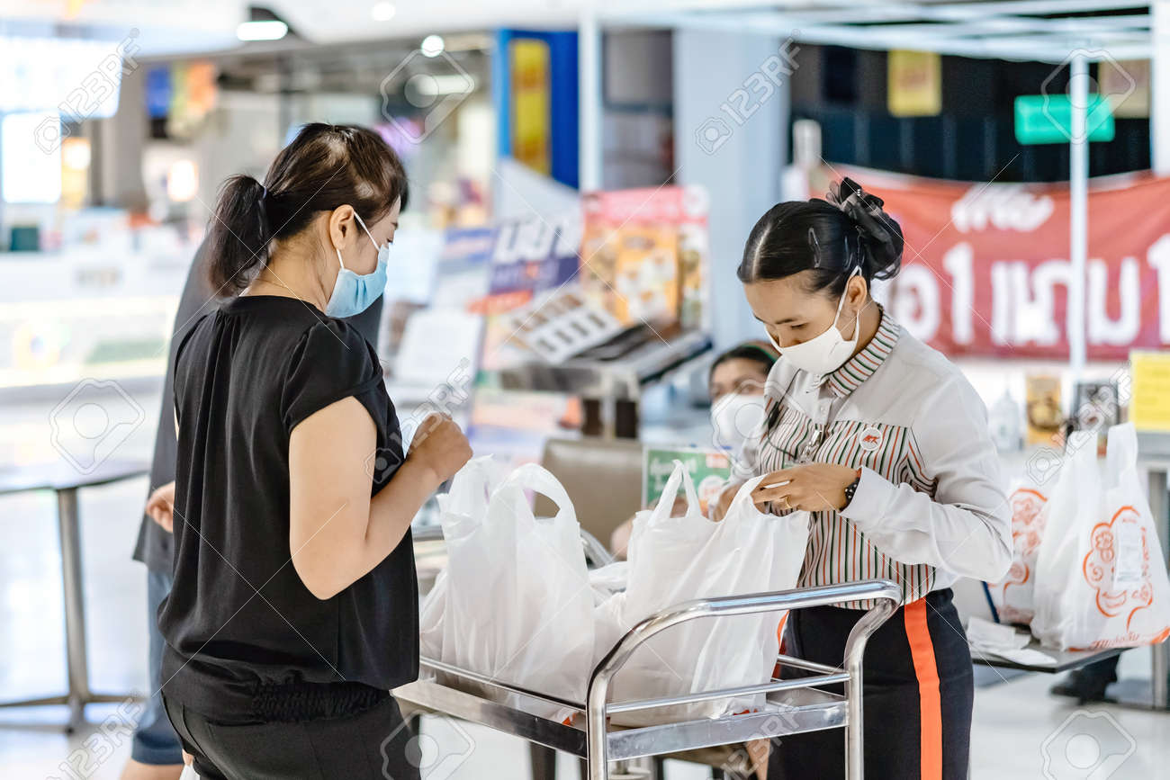 KANCHANABURI/THAILAND-APRIL 28,2020 : Atmosphere of ordering food to be taken back to eat at home in the situation of the spread of the corona virus (Covid-19) at Robinson Department Store. - 146248506