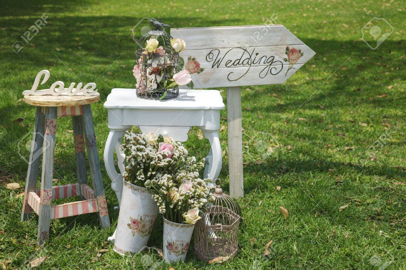 Wood hand made welcome wedding decoration signs - 39374528