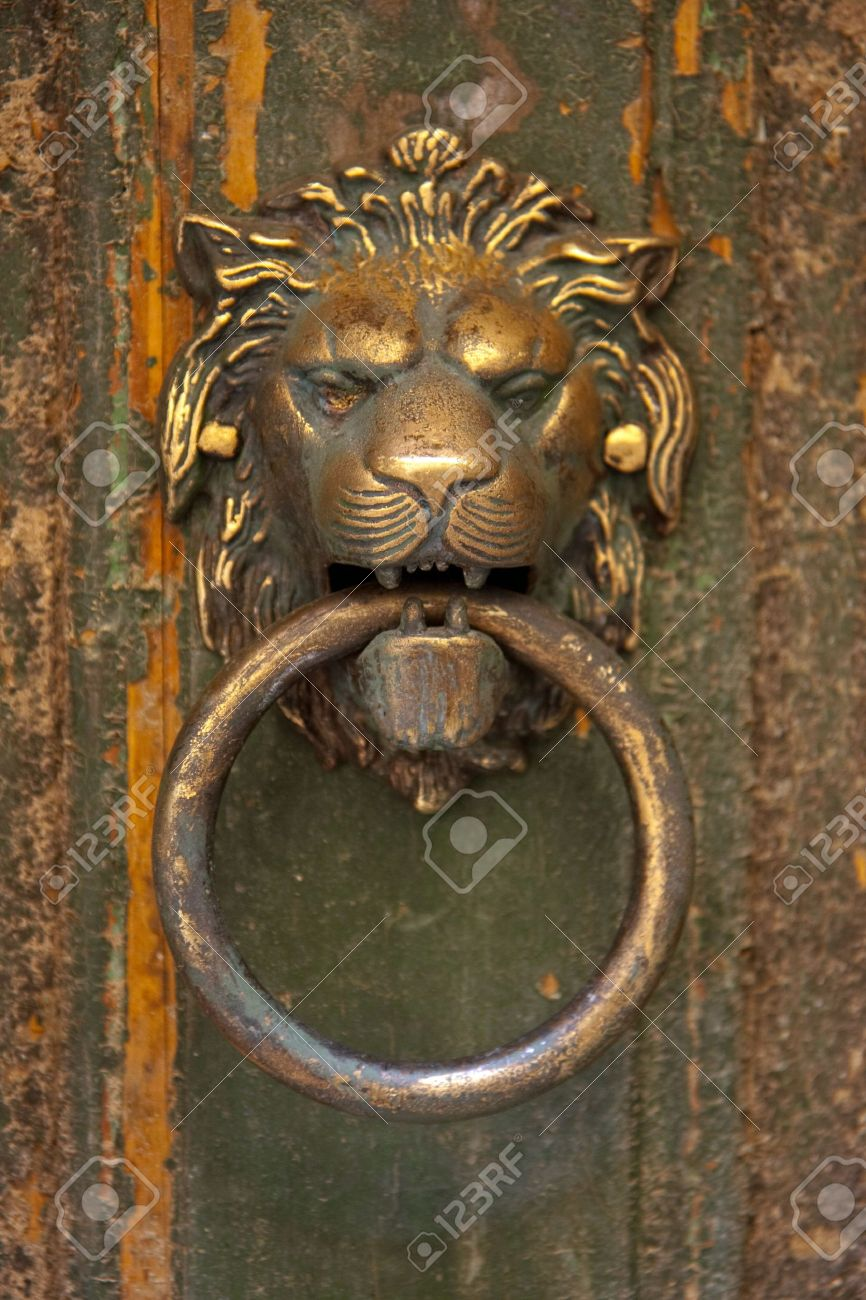 Superieur Stock Photo   The Lionu0027s Head Door Knocker
