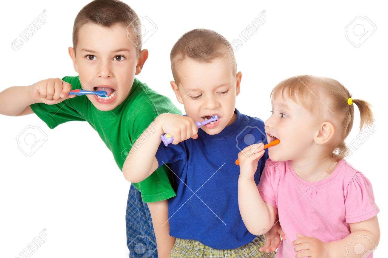 studio shot of children to brush his teeth Stock Photo - 7019964
