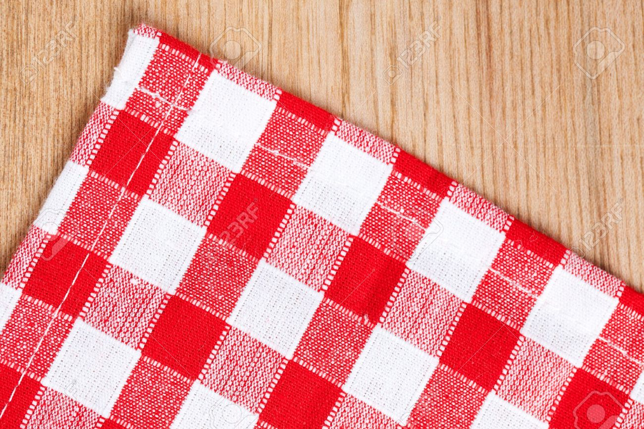 Table Cloth Top View: The Checkered Tablecloth On Wooden Table