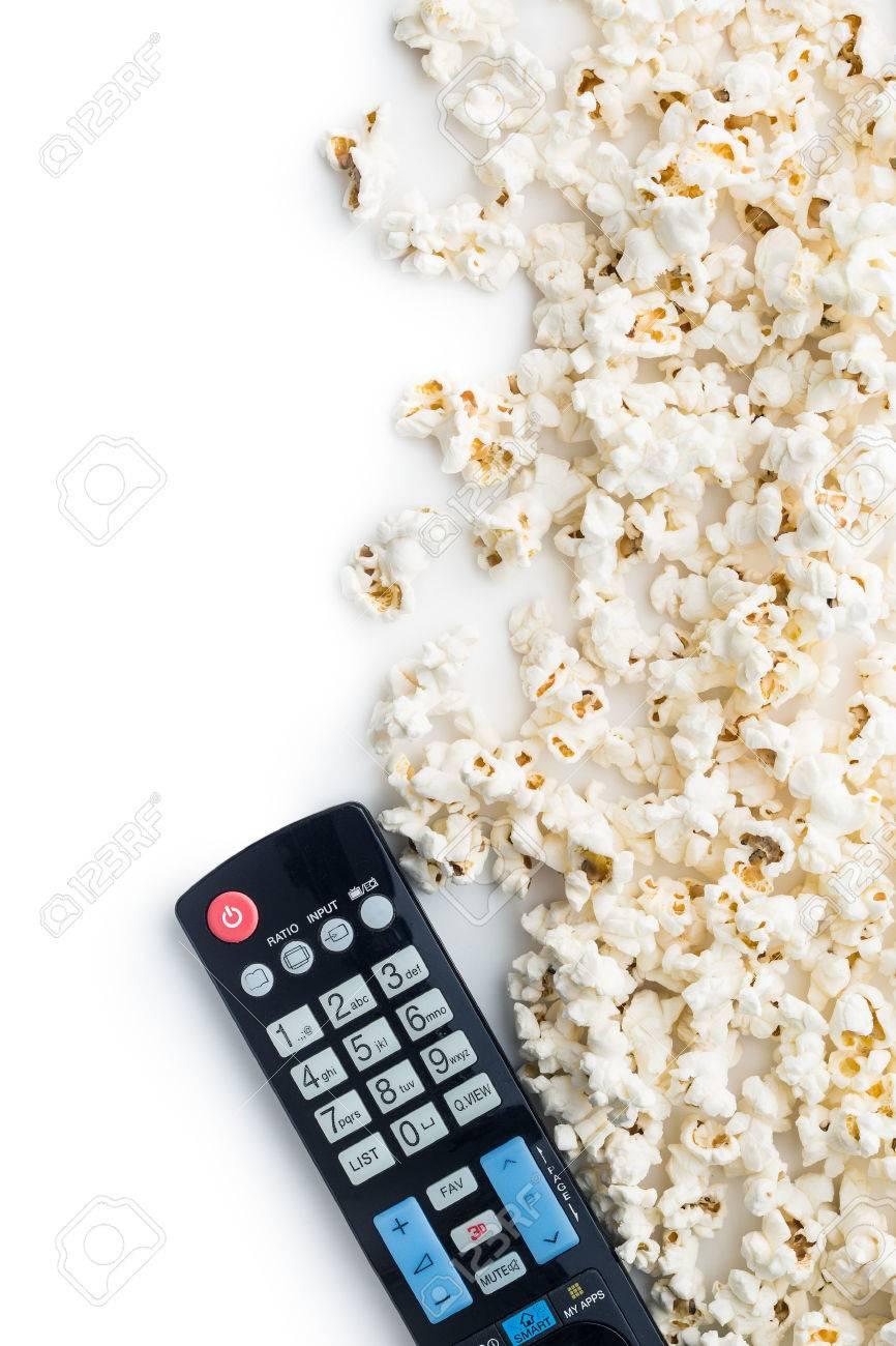 Popcorn Savoureux Et Tv Telecommande Vue De Dessus Banque D Images
