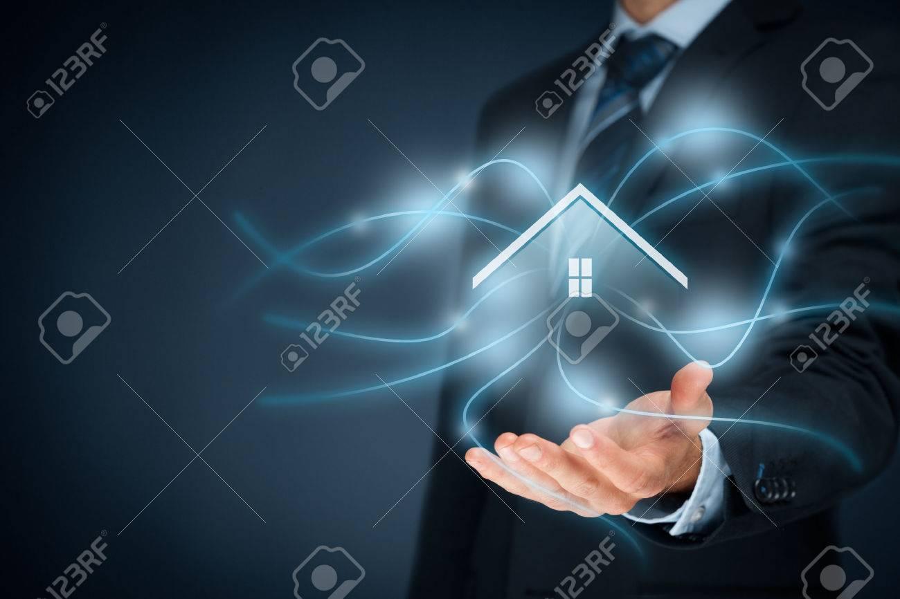maison intelligente, la maison et la domotique concept de smart. Banque d'images - 56359178