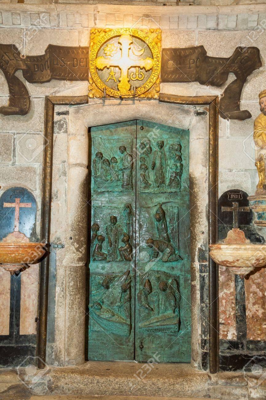 Interior of Santiago de Compostela cathedral Stock Photo - 17465746