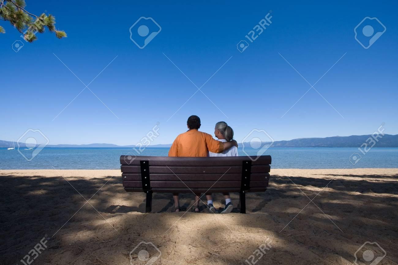 couple on bench Stock Photo - 3574650