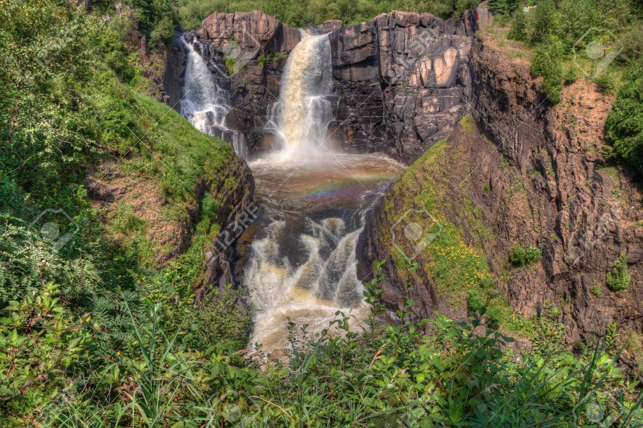 Grand River Flow >> The Pigeon River Flows Through Grand Portage State Park And Indian