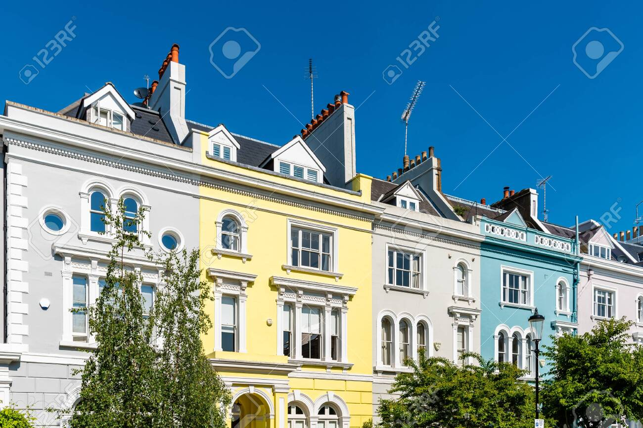 Victorian houses in Notting Hill in London - 125509852