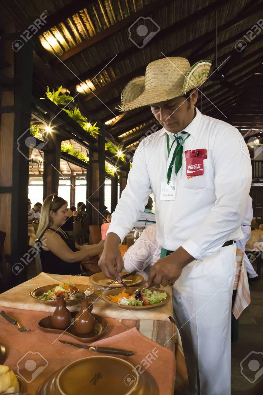BOLIVIEN, SANTA CRUZ DE LA SIERRA, 18. JANUAR 2017 - Traditionelle ...