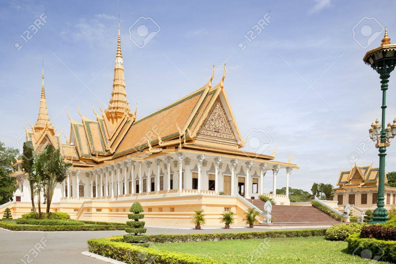 Inside the gardens of the royal palace in Cambodia Stock Photo - 17585844