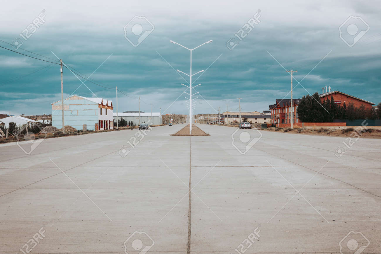 Calafate street in the south of Argentina - 167863768