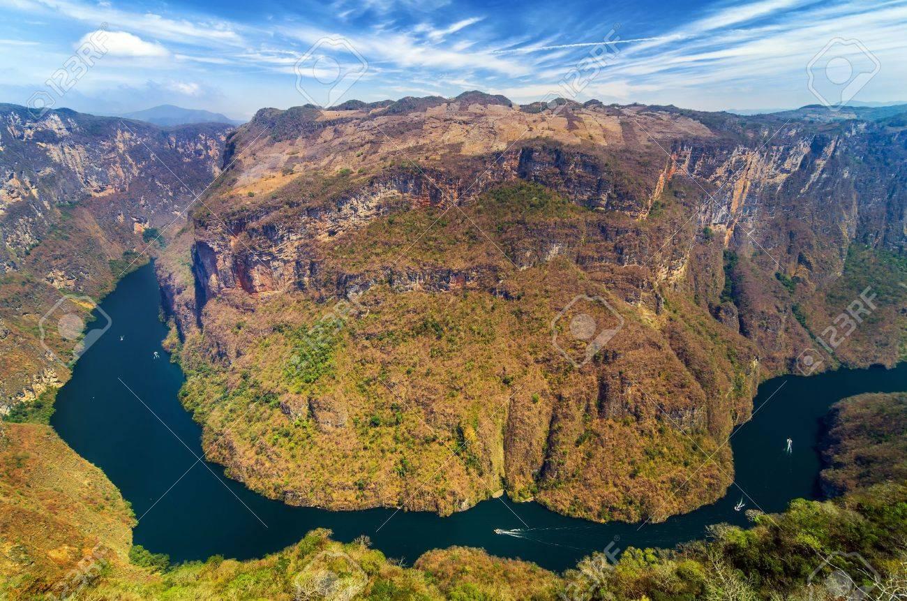チアパス州, メキシコでスミデロ渓谷渓谷の上からの眺め の写真素材 ...