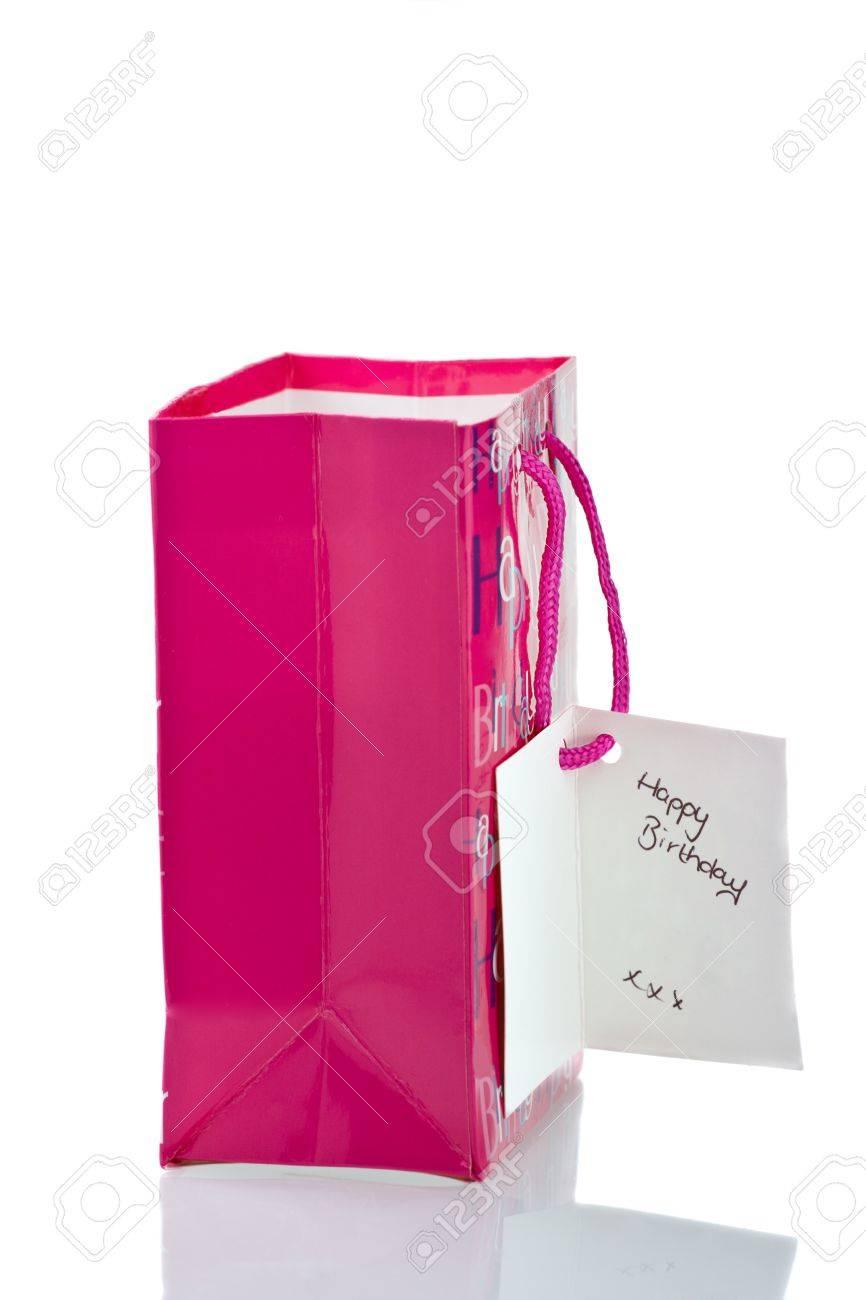 Pink Birthday Gift Bag Auf Weissem Hintergrund Mit Happy Tag Reflektierende Schatten Standard