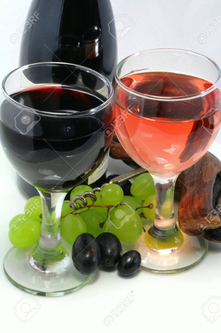 Tasting of wine with a bunch of grapes in detail Stock Photo - 9715690