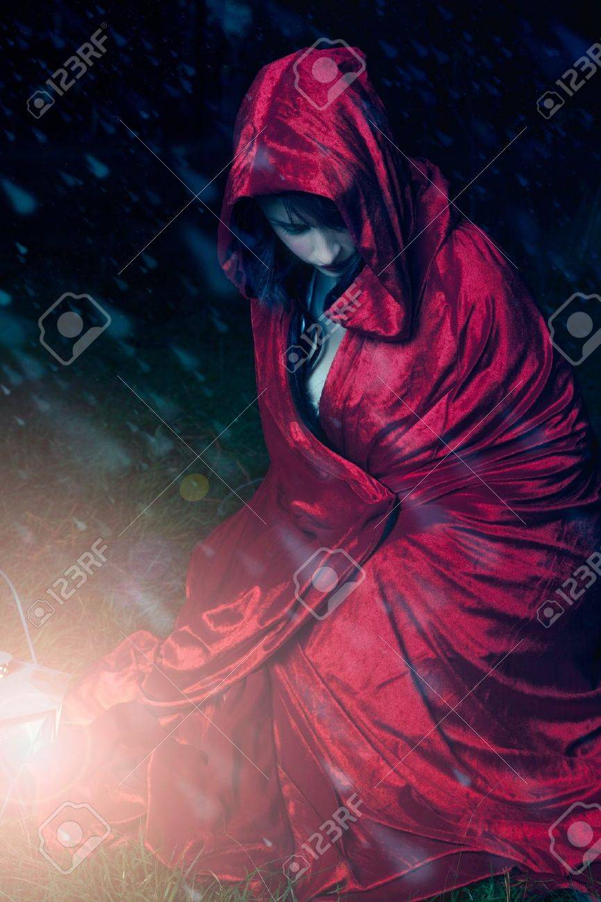 Little red riding hood cought in a snow storm Stock Photo - 14233493
