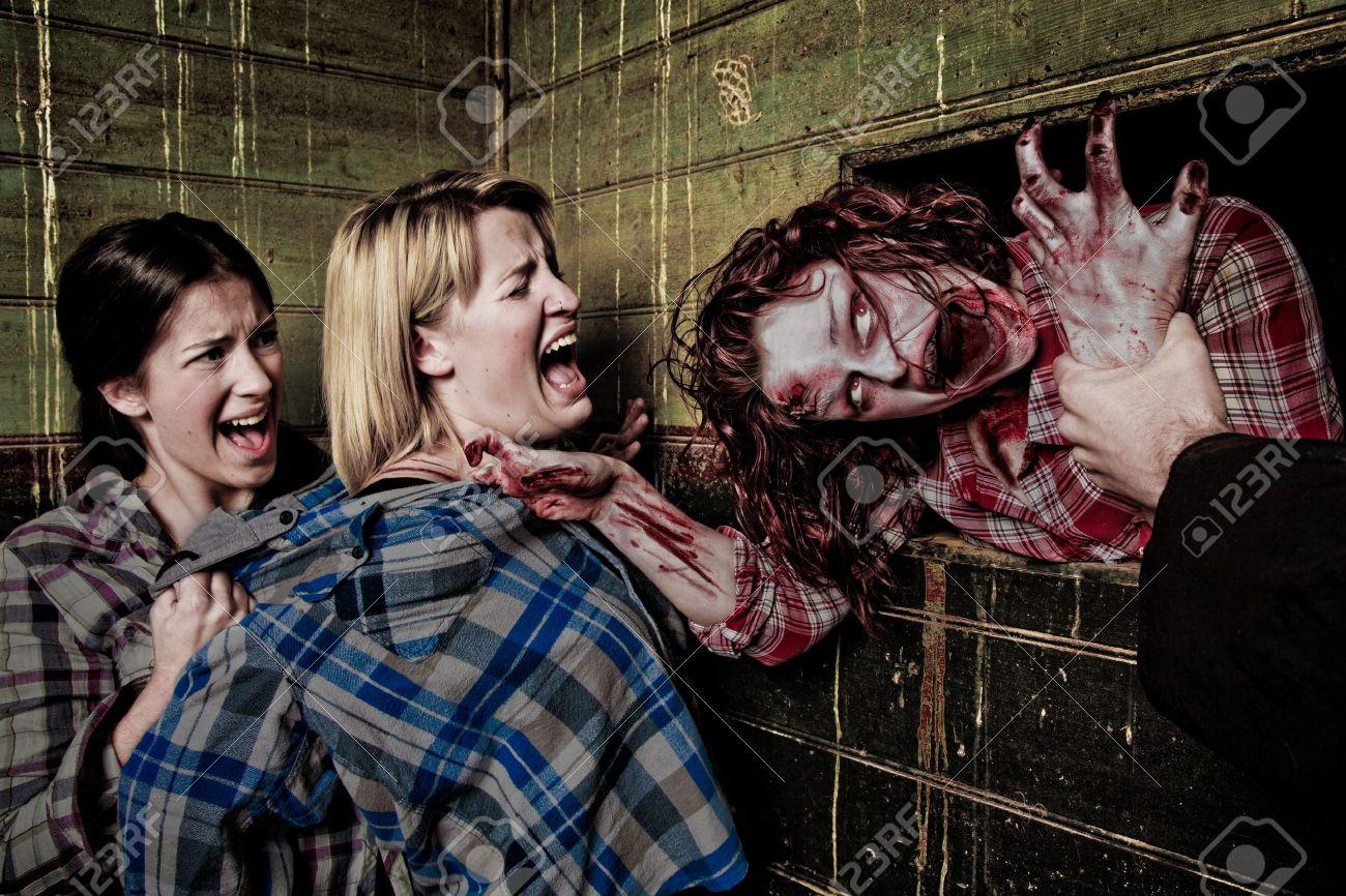 Zombie attack - 14233510