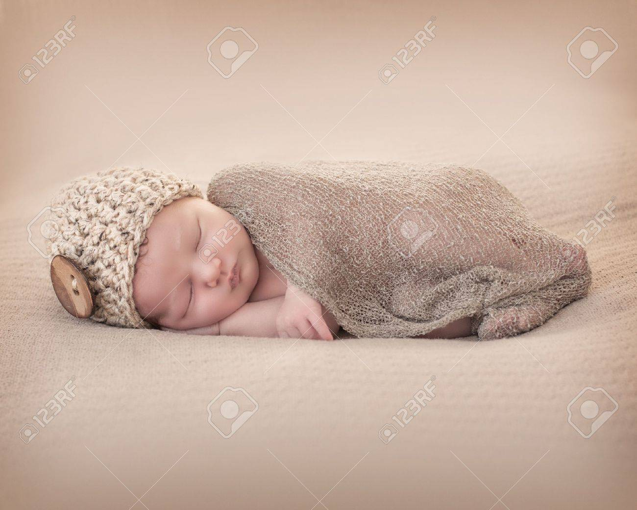 Newborn with Beany Stock Photo - 20673028