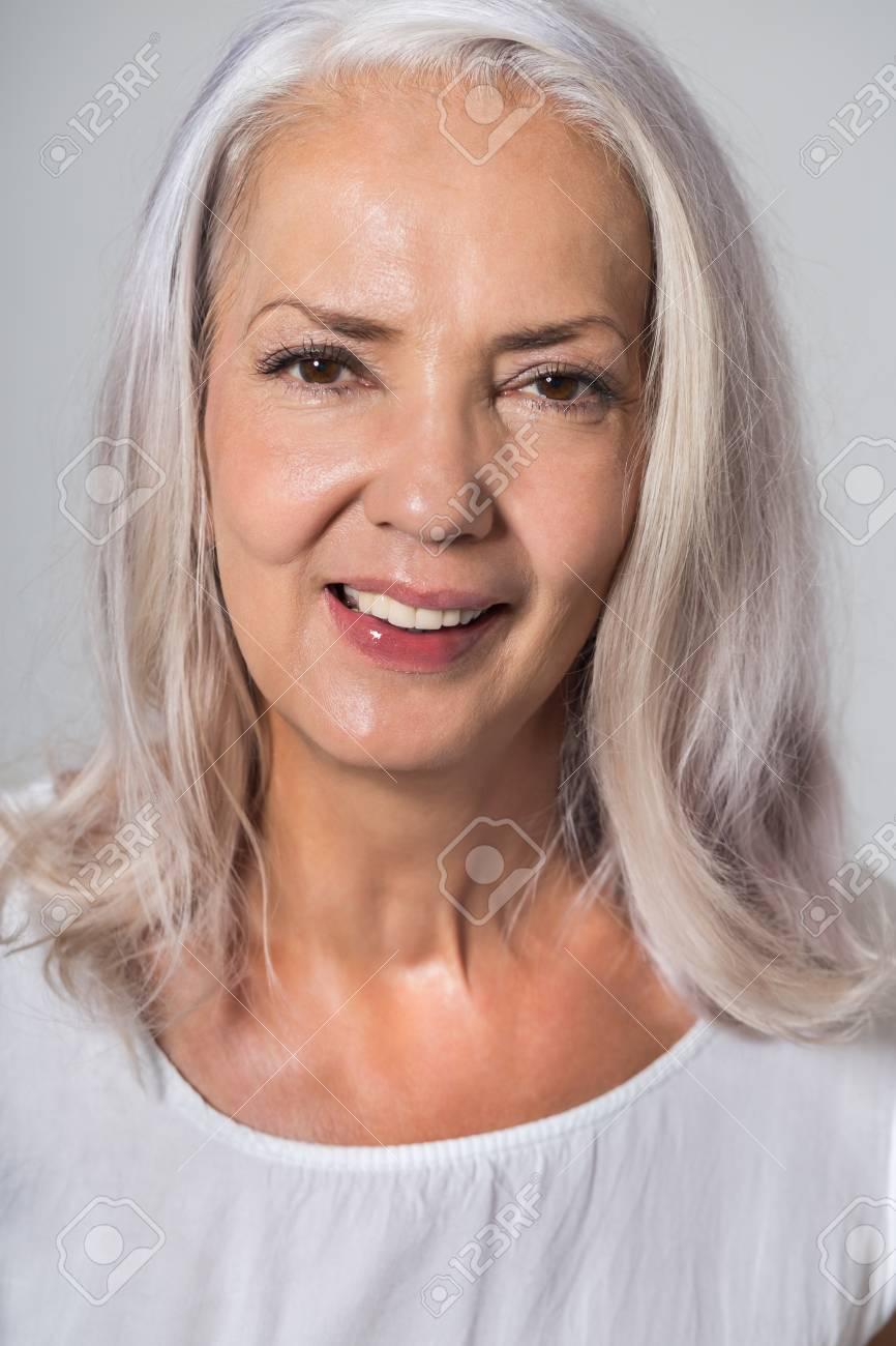 Attraktive Jugendliche Fünfzig Jahre Alte Frau Mit Schulter Länge