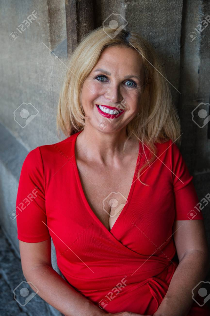 Mature blondes photos 45