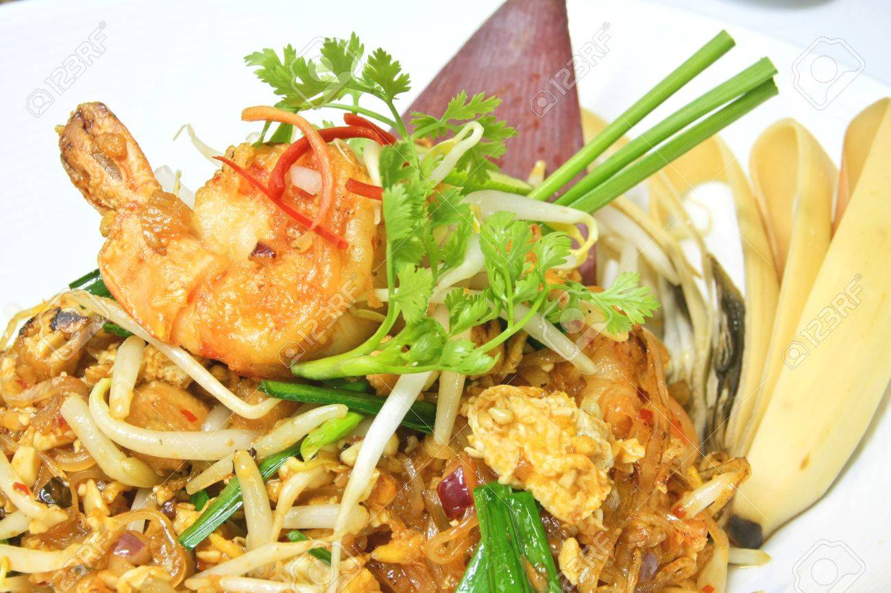 Stir Fried Noodles With Bean Sprouts Pad Thai is Noodles Stir-fried