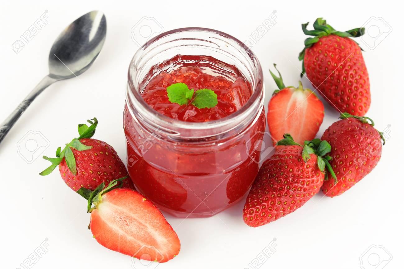 confiture de fraise feuille de menthe
