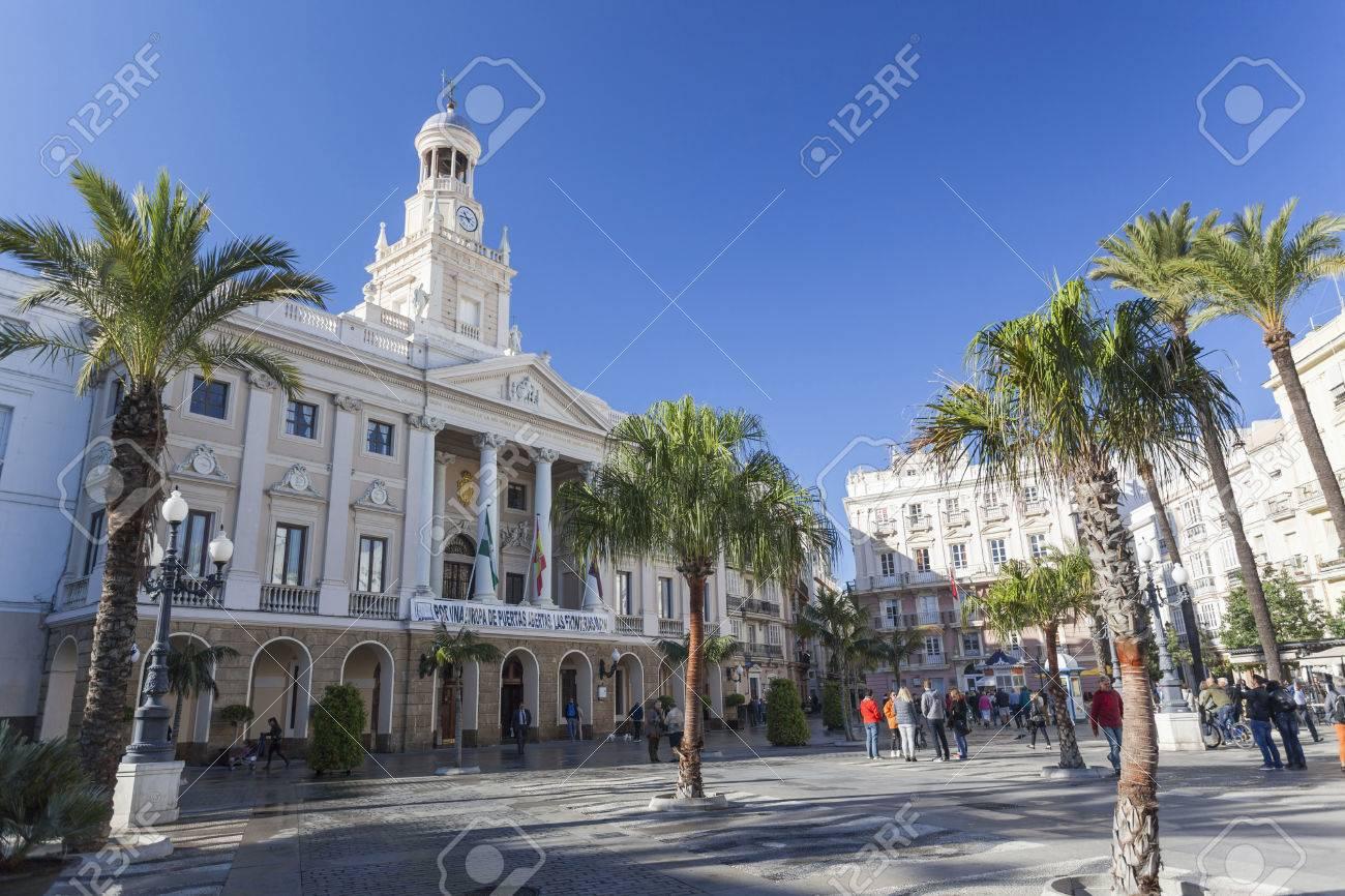 CADIZ, ESPAÑA NOVIEMBRE 14,2016: Ayuntamiento, Ayuntamiento, Plaza ...